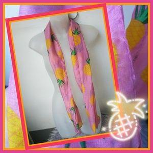 Pineapple scarf 🍍